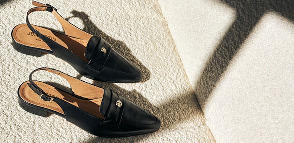 女士平底鞋