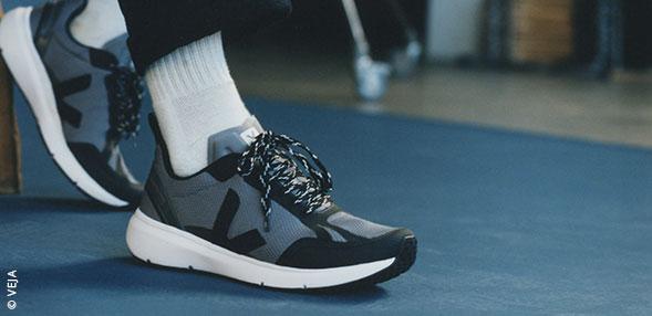低帮篮球鞋
